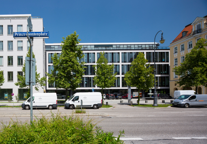 Conversion to an office and residential building, Prinzregentenplatz 7 - 9, Munich